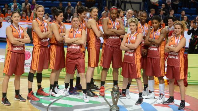 Galatasaray kupanın kulbunu tuttu