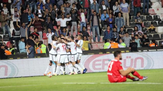 Gaziantepspor kazanarak ligde kaldı