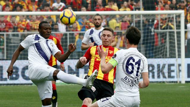 Osmanlıspor puanı son dakikada kaptı