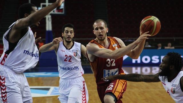 Galatasaray Uşak'ı devirdi
