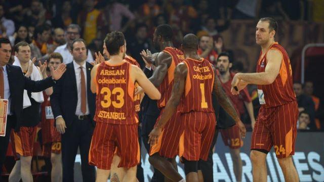 Galatasaray son saniyede yıkıldı