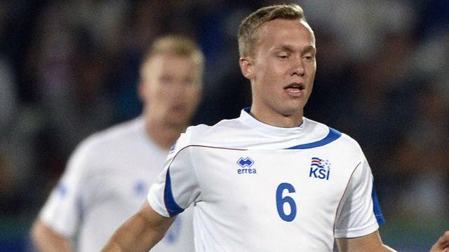 İzlandalı futbolcu Eurovision elemelerine katıldı