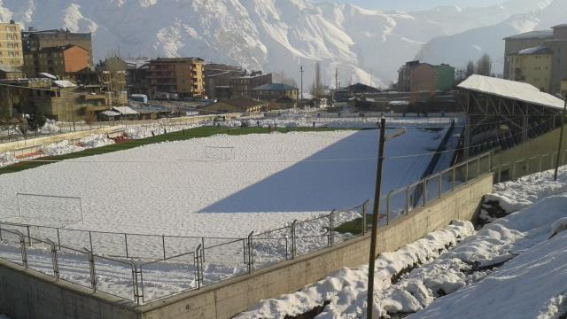 Kar Futbola Yine İzin Vermedi