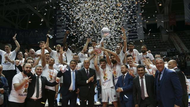 Halkbank'tan üst üste 3. şampiyonluk