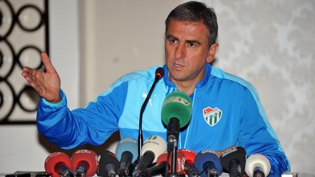 Bursaspor Hamzaoğlu ile devam