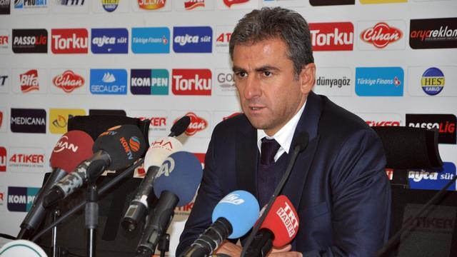 Hamzaoğlu stoper istiyor