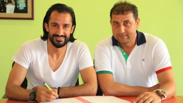 Konyaspor'da 2 imza birden!