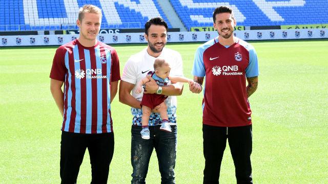 Trabzonspor, yeni transferlerini tanıttı