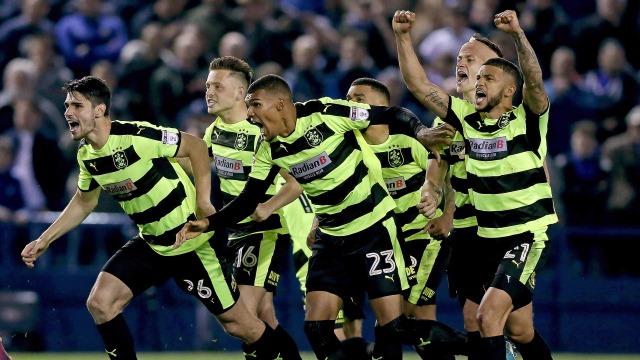 Premier Lig'e son bilet Huddersfield'ın