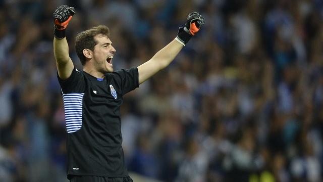 Casillas'tan bir rekor daha!