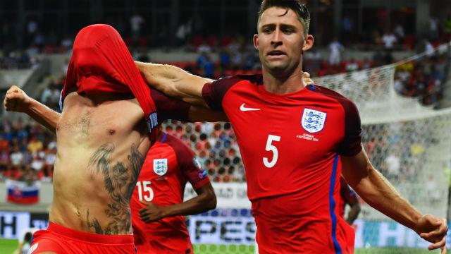 İngilizler son dakika golü ile güldü