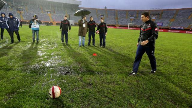 Fenerbahçe maçı oynanmıyor
