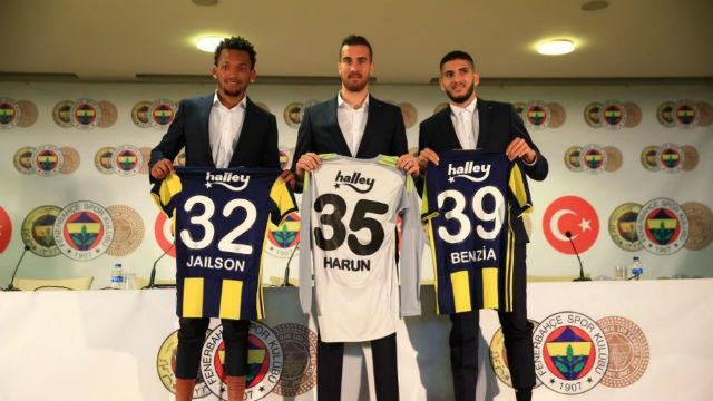 Fenerbahçe'de imza günü