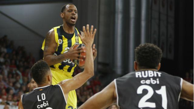 Fenerbahçe Doğuş güle oynaya kazandı