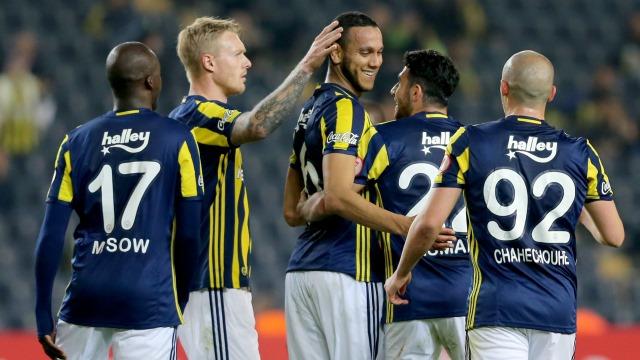 Fenerbahçe güle oynaya yarı finale