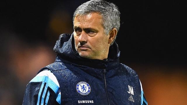 Mourinho: Messi'yi alamayız
