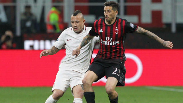 Milan, Sosa ve Gomez'den vazgeçmedi