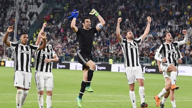 Serie A'da Juve şampiyon!