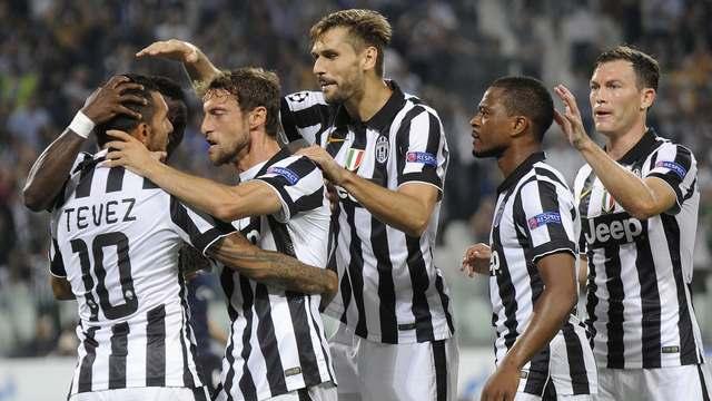 Juventus'u Tevez taşıdı