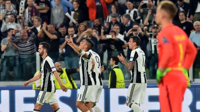 Juventus ezdi geçti