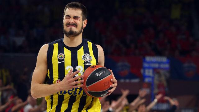 Fenerbahçe'de bir imza daha