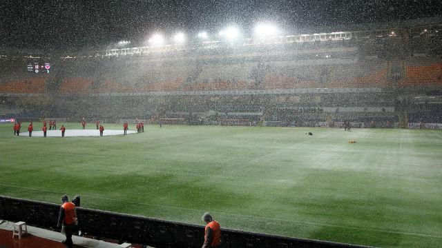 Beşiktaş-Mersin maçına kar engeli