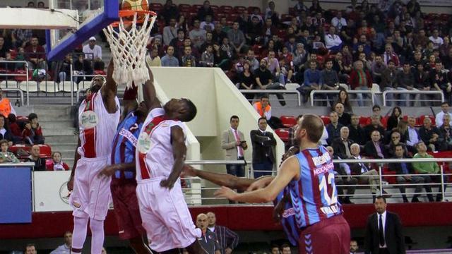 Trabzon zorlu deplasmanda güldü