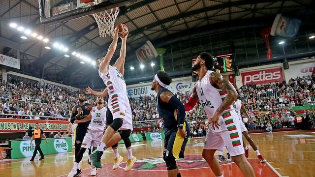 Fenerbahçe İzmir'de kazandı