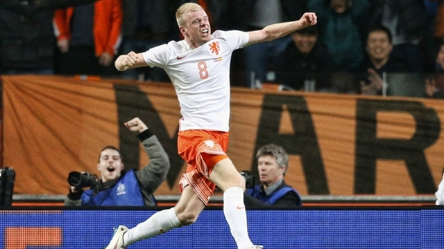 Hollanda, İspanya'yı rahat geçti