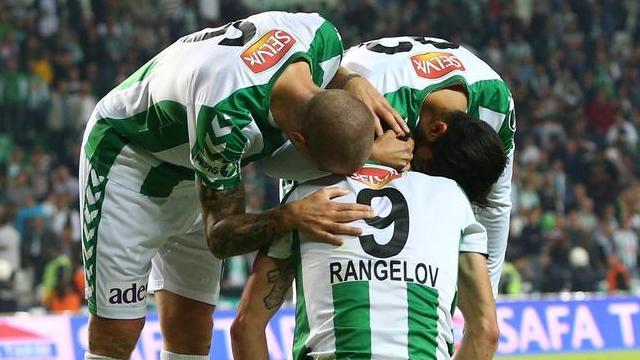 Konyaspor zirveye oynuyor!