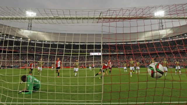 Kuyt, Feyenoord'da 3'te 3 yaptı