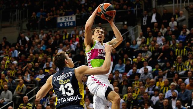 Fenerbahçe liderliği tehlikeye attı