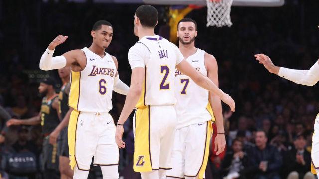 Lakers 9 maç sonra kazandı