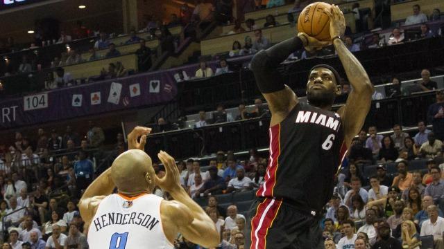 Heat turladı, Spurs eşitledi