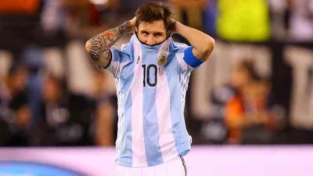 Messi tüm dünyayı şoke etti!