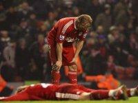 Liverpool Bir Bir Eriyor