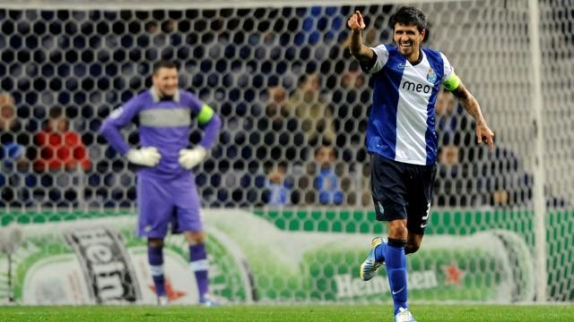 Porto'da sürpriz ayrılık