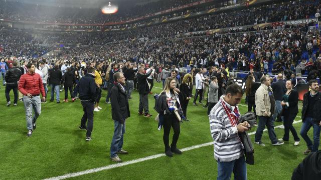 Lyon-Beşiktaş maçında olaylar!