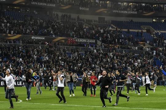 UEFA'dan Beşiktaş'a kötü haber!