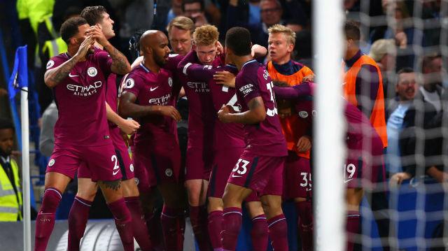 Manchester City, Chelsea'yi devirdi