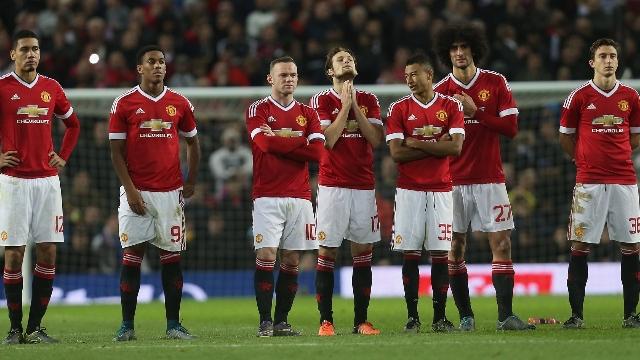Manchester United'a kupa şoku!
