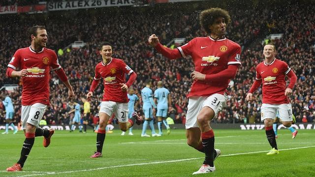 Manchester derbisinde kırmızılar güldü