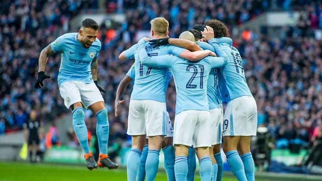 Premier Lig'de şampiyon Man City!