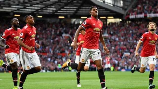 Manchester United tam gaz devam
