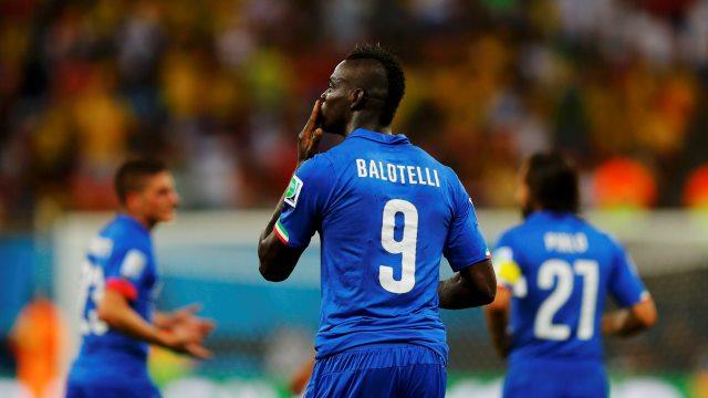 Balotelli için papatya falı