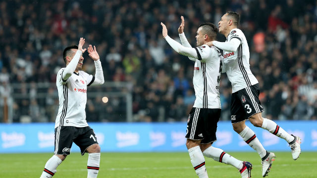 Beşiktaş güle oynaya...
