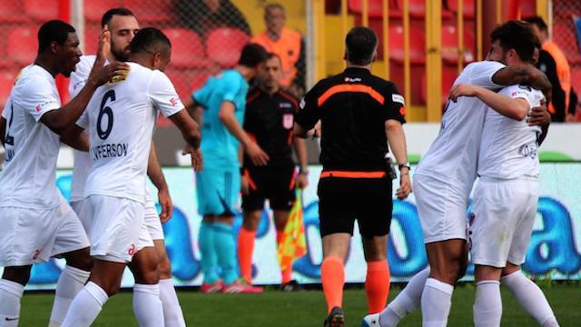 Mersin'den altı gollü galibiyet