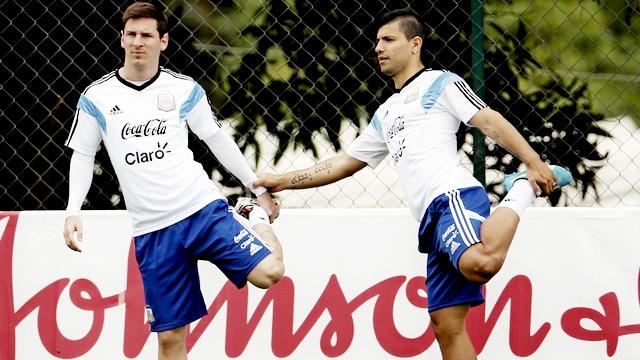 Arjantin ve Fransa sahaya iniyor