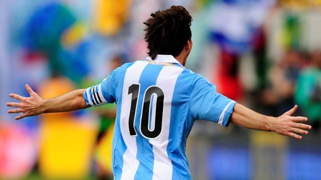Messi'ye 'İspanya için oyna' denmiş