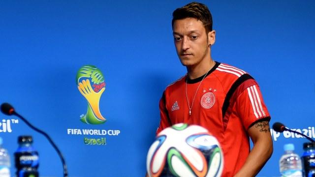 Mesut Özil,